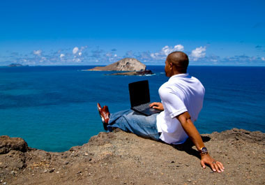 работа на берегу моря