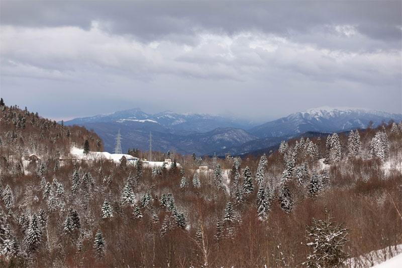 Горы и линии электропередач