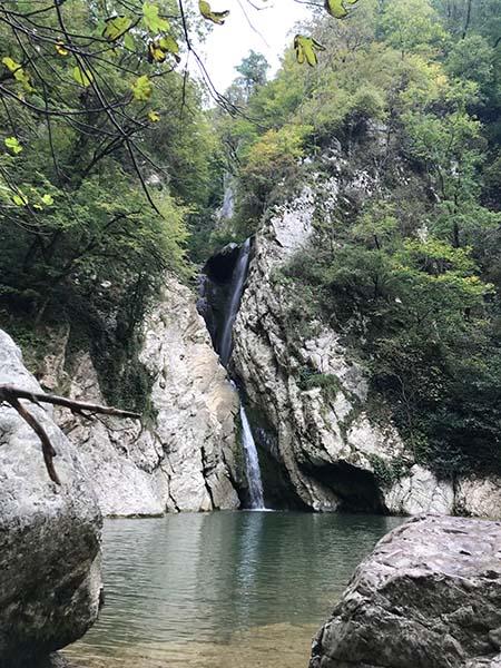 основной агурский водопад