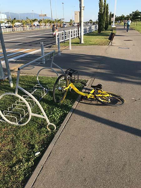 """""""припаркованный"""" велосипед"""