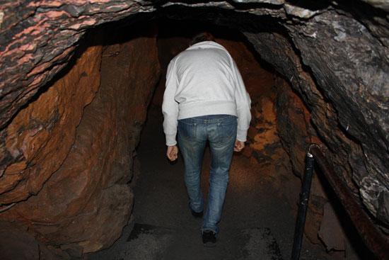 узкие проходы в пещере